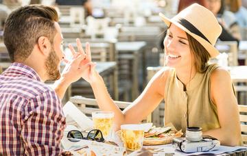 好きな人の前で緊張するととりがちな行動と緊張しない方法解説!
