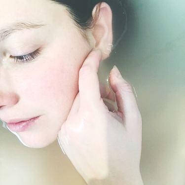 方法 白く 肌 を する 日焼けした肌を白くする方法8選!元の肌に戻すための裏ワザとは?
