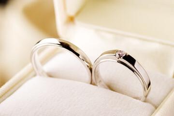【当たる手相占い!】結婚線の見方&結婚年齢や恋愛運がわかる♪