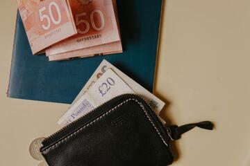 黒色の財布で開運する?風水効果7つ解説!【金運】
