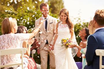 結婚式の友人代表スピーチで感動させよう!例文あり!
