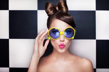 丸メガネが似合う顔の特徴って?【男女別解説】