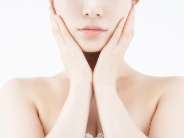 ハトムギ化粧水の使い方と効果完全解説!美白になれる?【必見】