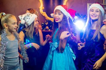 アイロンビーズのクリスマス飾り図案特集!ツリー・リース・雪の結晶など!