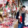 クリスマスプレゼントでマフラーを彼氏・彼女へ!人気ブランドは?