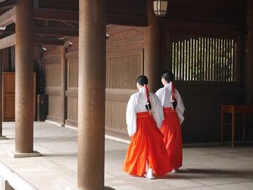 御朱印ガールが増加中!御朱印帳を持って神社仏閣を巡る魅力とは?