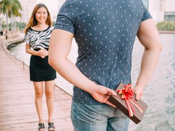腕時計をプレゼントする意味とは?相手によって意味が変わる?