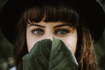 眉毛の形の整え方・書き方!似合う眉の形の探し方も解説!