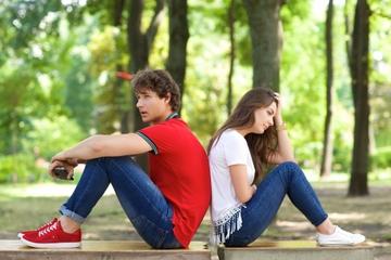 冷たい態度の男性心理とは?真意と対処法を解説!【片思い必見】