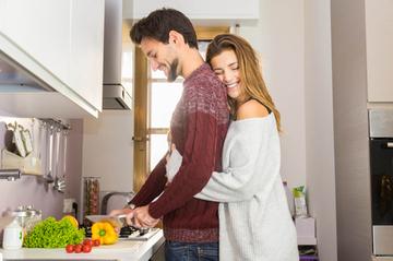 カップル×料理でラブラブに♡愛が深まる理由とおすすめレシピ11選!