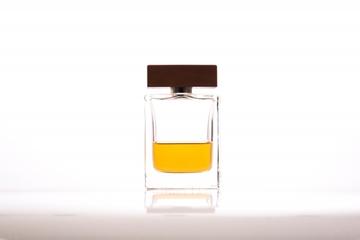 40代に人気のレディース香水まとめ|モテる&オフィスOKな21選