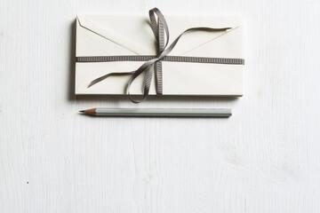 社会人彼氏へのプレゼントは何がいい?年代別に実用的なアイテム紹介!