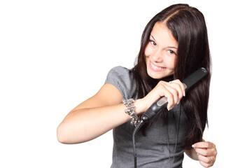ヘアアイロンの最適温度を分析!髪へのダメージを減らす方法とは?
