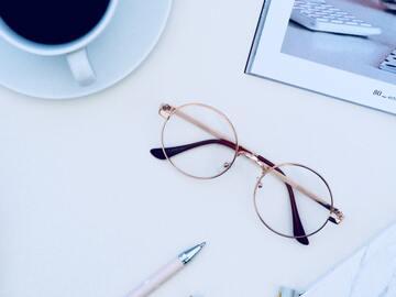 40代女性に人気の眼鏡ブランド21選|オシャレな眼鏡で若返る!