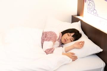 【夢占い】目が開かない夢の意味11選|凶夢や警告夢が多い!?