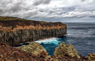 【夢占い】崖に関する夢の20の意味を解説!警告のサインかも?