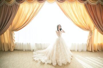 【夢占い】ドレスの夢の意味43選|着る・踊る・選ぶ・結婚式・色など