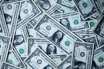もし10億円あったら何に使う?10億円の夢のような使い道