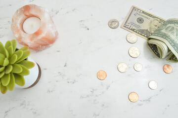 同棲カップルが上手に貯金する方法!「無理のない目標設定」と「息抜き」が大切♪