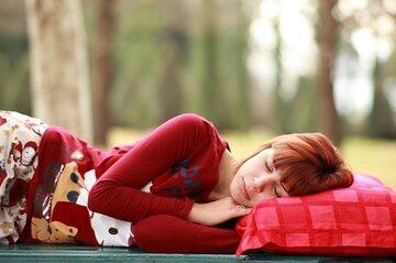 疲れて癒しがほしい…!男女で違う癒されたい心理や疲れた時に試してほしい方法