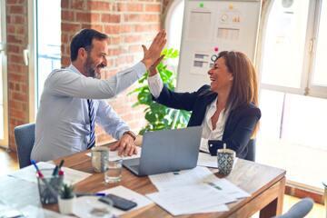 職場の人が見せる両片思いのサインとは?恋人になるためにできることもご紹介!